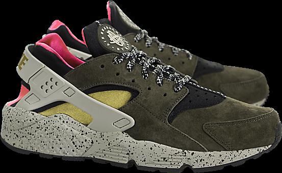 37a5b9c3a565 Nike Air Huarache Run Premium Black   Desert Moss-solar - Sneakers (650x650)